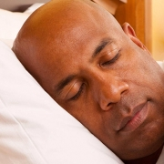 React better to both negative and positive events with more sleep - خواب مناسب شبانه باعث واکنش بهتر فرد به اتفاقات روزانه می شود