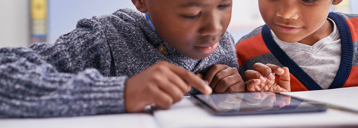 Smartphones Are Lowering Students Grades - استفاده از گوشی هوشمند توسط دانش آموزان باعث افت تحصیلی آن ها می شود