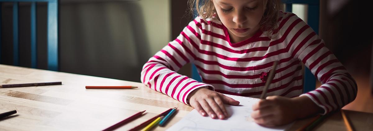 Writing by Hand Makes Kids Smarter - نوشتن دستی در مقایسه با تایپ کردن کودکان را باهوش تر می کند