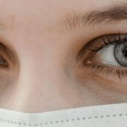 COVID-19 affects the eyes - کرونا می تواند باعث ایجاد زخم در چشم گردد