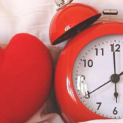 Too Much Too Little Sleep Linked to Elevated Heart Risks in People Free from Disease - خواب کافی نه افراط نه تفریط